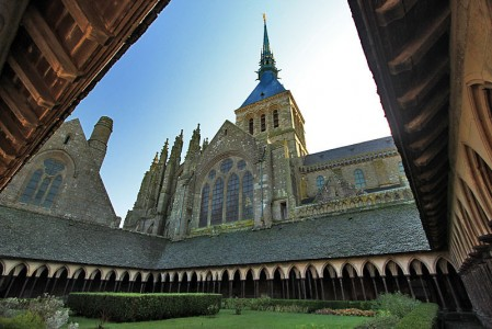 france-mont-saint-michel-abbey2-l-1-449x300